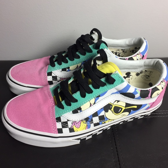 90bb53e105 Disney X Vans Old Skool Shoes Size 9. M 5c36cc4baa877050a333abcb